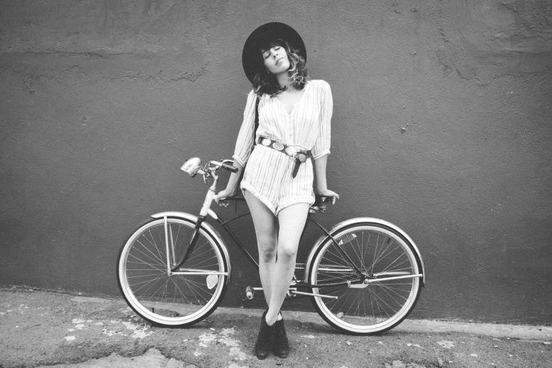 MelissaMontoyaPhotography_2015_10_10_FashionMuse_FrankVinyl_BalancingAct_02